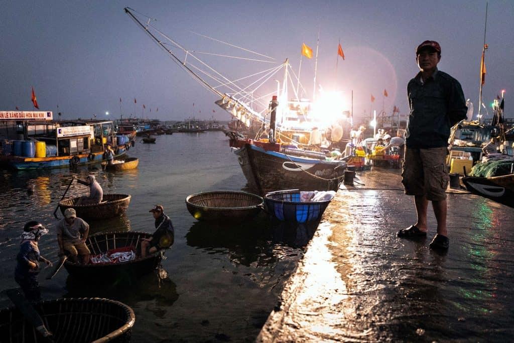 Fotografie-Reportage-Vietnam_HoiAn-Fishmarket-Marina_Schedler-Photography-005