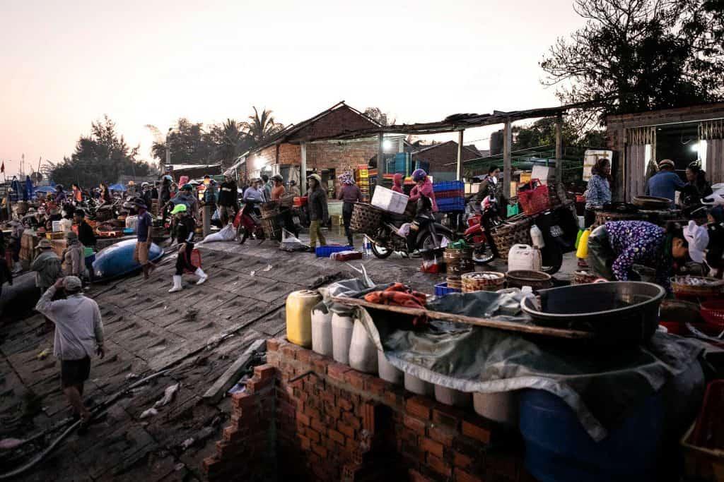 Fotografie-Reportage-Vietnam_HoiAn-Fishmarket-Marina_Schedler-Photography-011