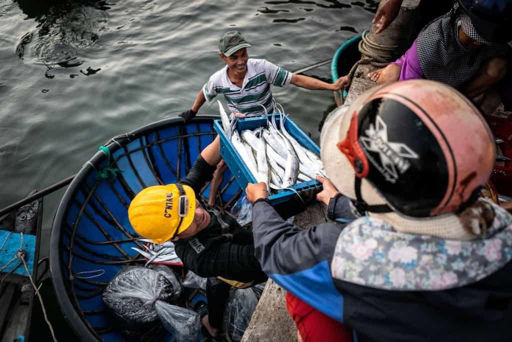 Fotografie-Reportage-Vietnam_HoiAn-Fishmarket-Marina_Schedler-Photography-014