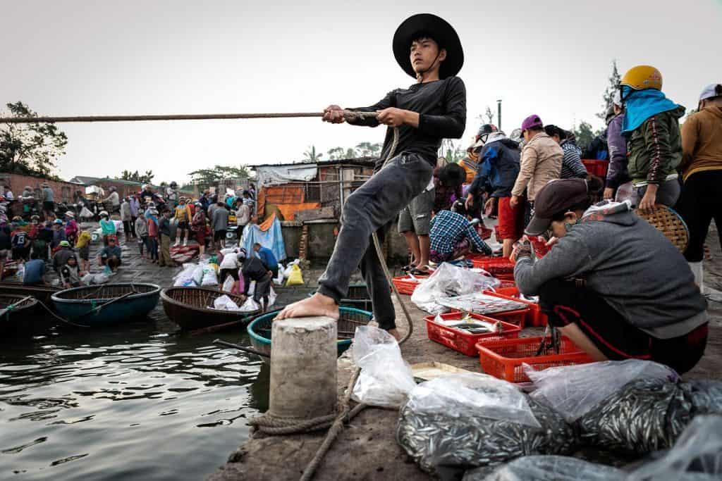 Fotografie-Reportage-Vietnam_HoiAn-Fishmarket-Marina_Schedler-Photography-015